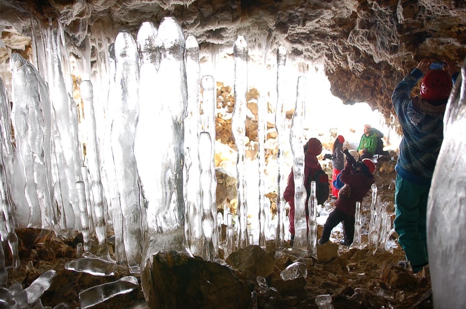 大滝氷筍探訪・にょろにょろバスツアー