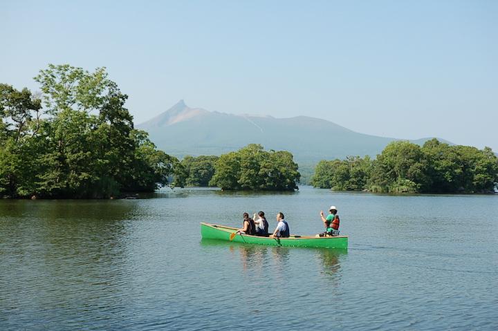大沼公園で湖畔BBQとアクティビティを楽しむ「まるかじりプラン」が登場